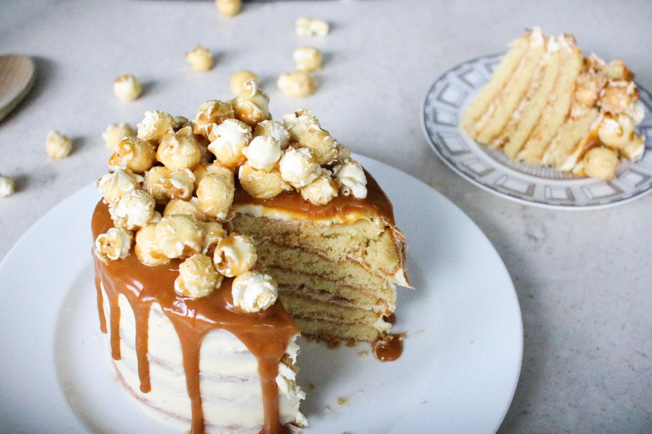 salted caramel drip cake 3
