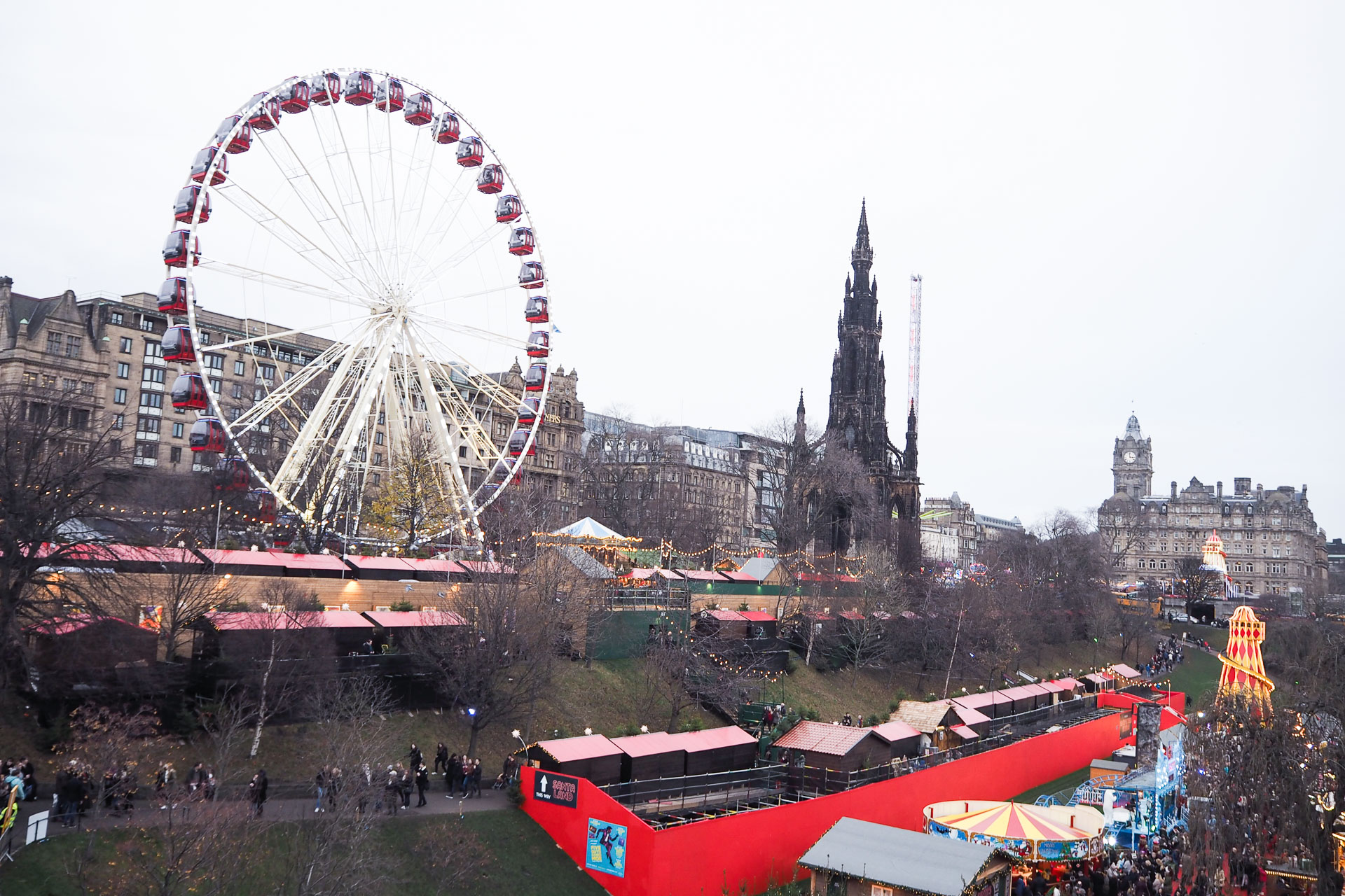 christmas in edinburgh. christmas markets