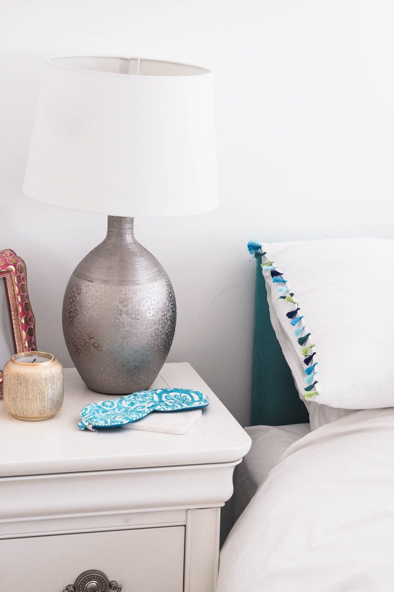 spanish bedroom interiors style