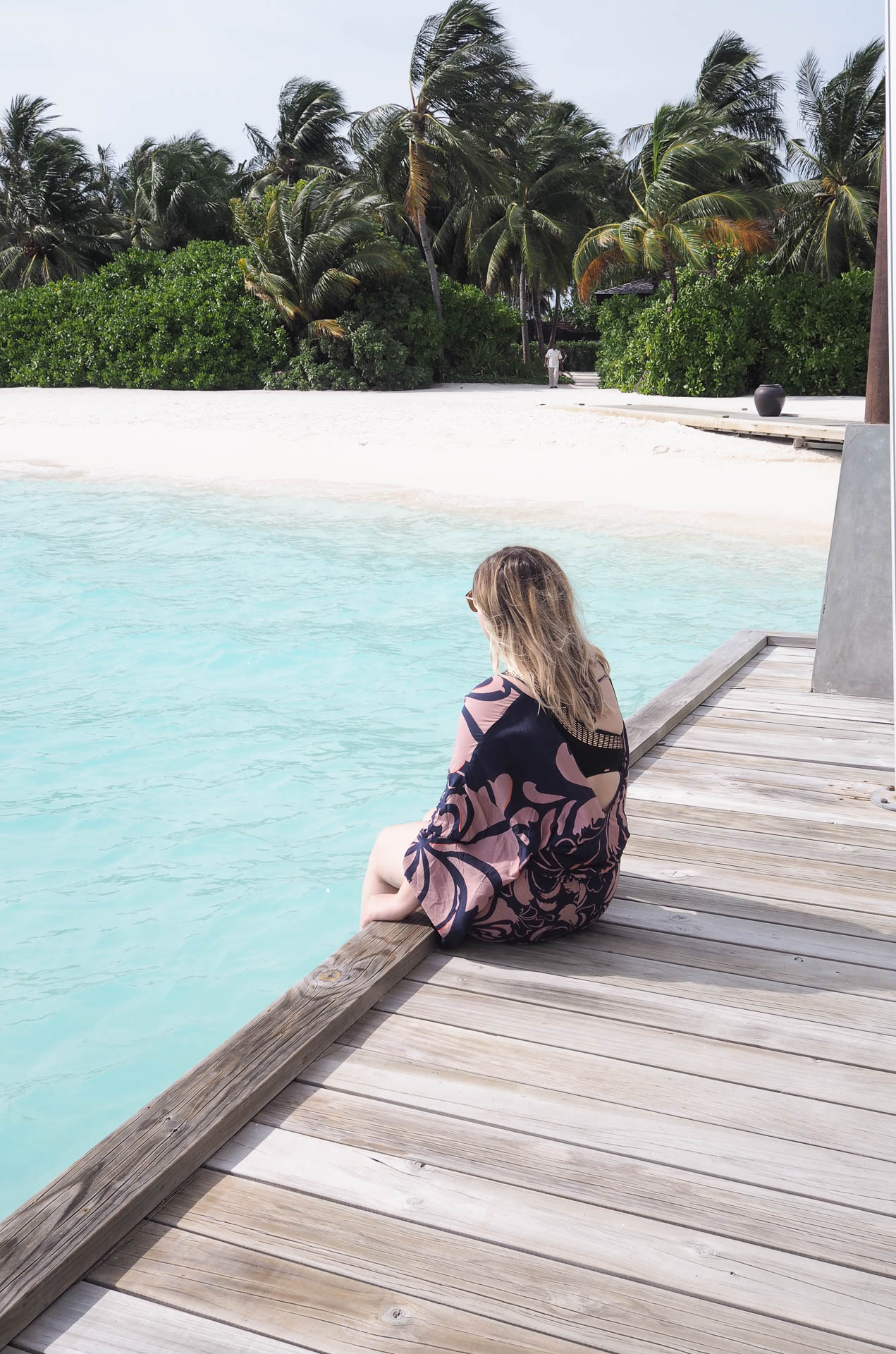 how to go to the maldives for less, maldives on a budget